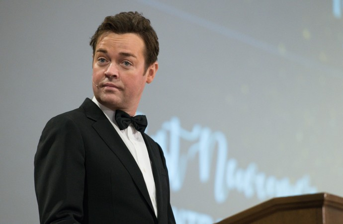 Stephen Mulhern Photographs at Event